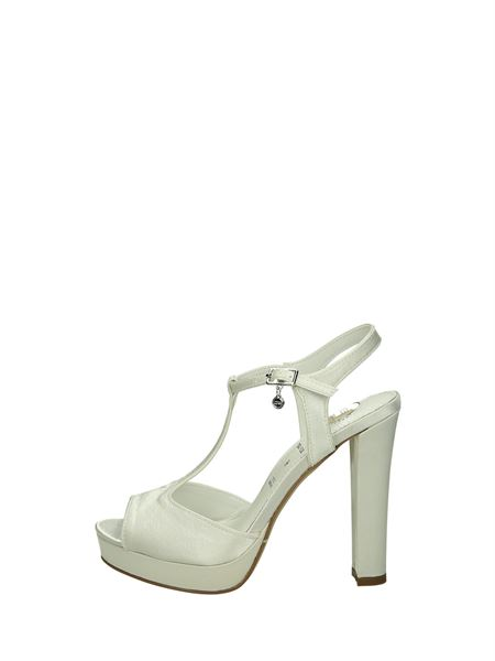 O6 Sandals Heels And Plateau White
